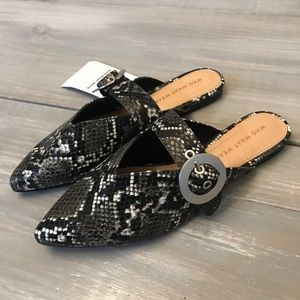 NEW Snakeskin Buckle Mules • Flats • Size 6